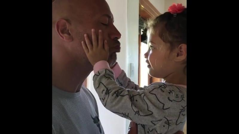 Дуэйн Скала Джонсон с дочерью