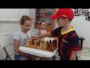 Сеанс одновременной игры - это ситуация, когда один шахматист играет сразу же с несколькими игроками одновременно. В нашей шахм