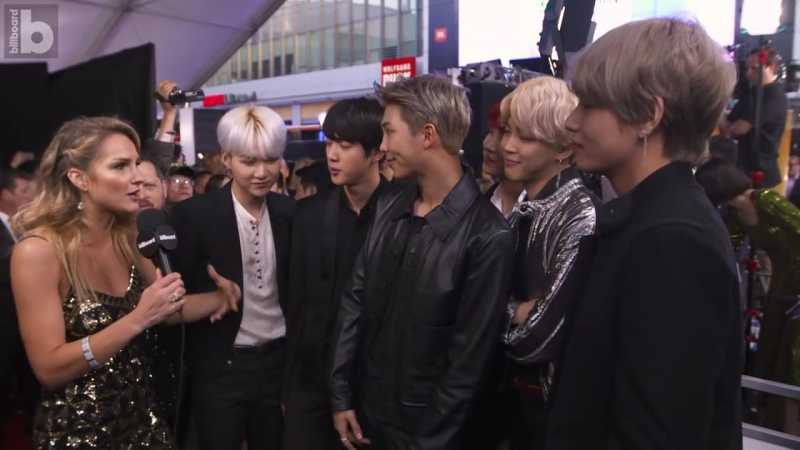 `INTERVIEW` BTS Sings Camila Cabellos Havana Shows Off Some Red Carpet Dance Moves! - AMAs 2017.