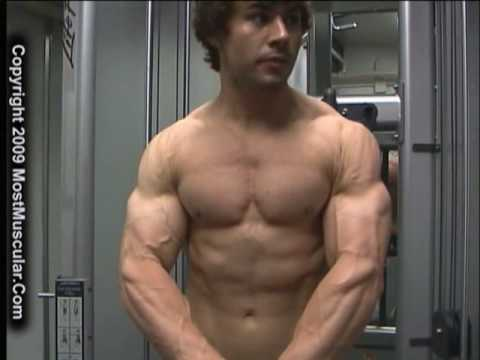 Bodybuilder Justin Rozon training at Florida gym