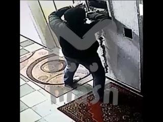 Тазик для клизм, банка с окурками и зеркало: ограбление века в Бутово