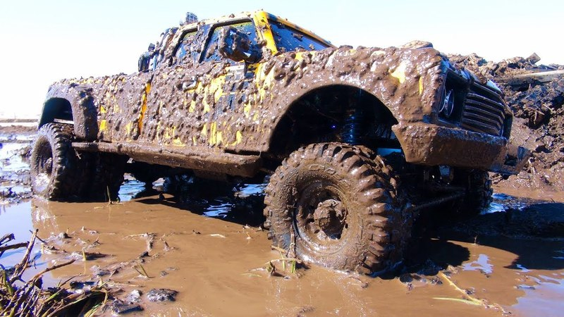 RC ADVENTURES - BEE ST DUALLY iN a MUD BATH. ONE BAD MUDDER! CROSS PG4L