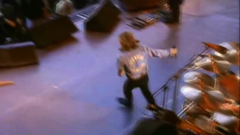 Bon Jovi - Livin On A Prayer - Live From London 1995