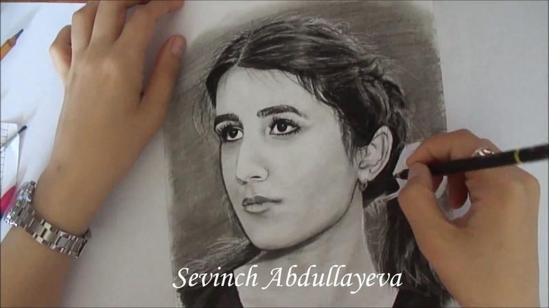 Charcoal portrait of a young girl    Портрет молодой девушки углём
