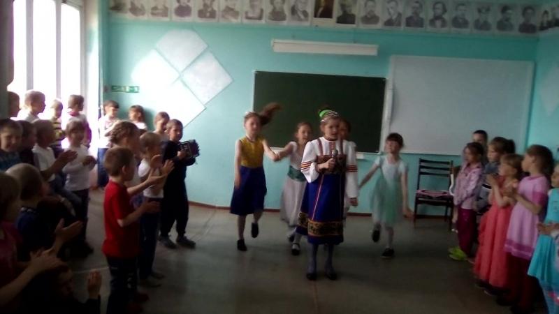 в точь- точь Надежда Кадышева