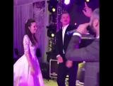 Дмитрий Тарасов конкретно перебрал на собственной свадьбе