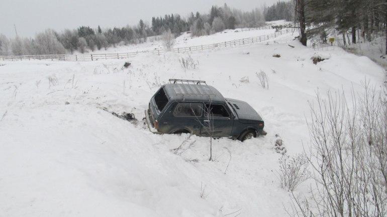 Житель томского посёлка угнал авто, съехал в кювет и сбежал