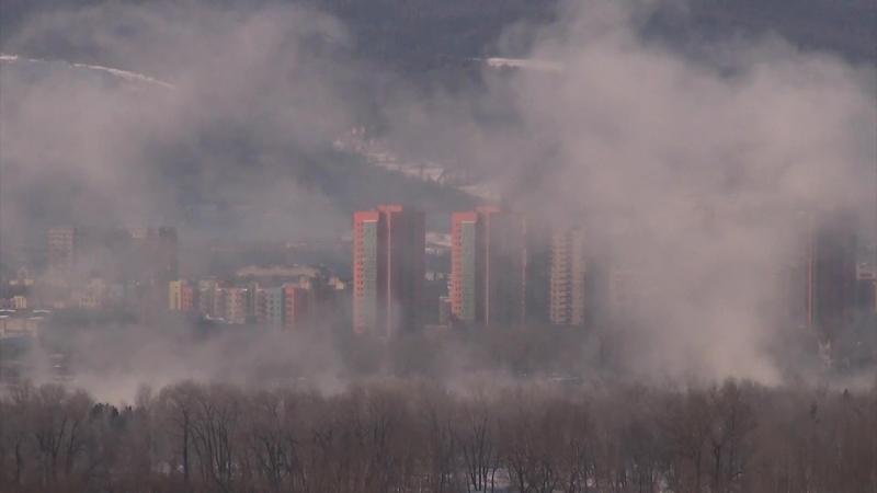 Сегодня был красивый быстролетящий надводный туман. Или низколетящие облака. Красноярск - город интересных природных явлений.