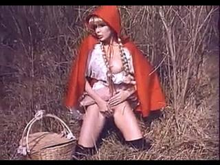 eroticheskiy-film-krasnaya-shapochka-proizvodstvo-italiya-pervie-semki-eleni-berkovoy