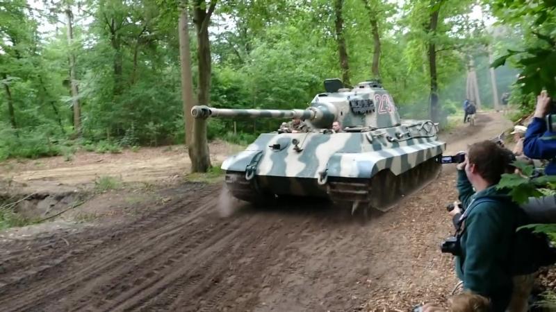 Pz.Kpfw.Tiger Ausf.B Militracks 2018 p.1