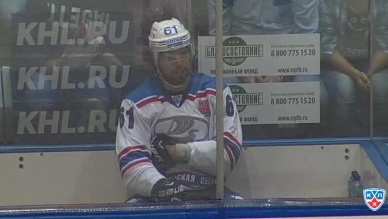 Моменты из матчей КХЛ сезона 14/15 • Удаление. Андрей Степанов (Лада) получил 210 минут штрафа 27.08