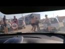 Драка на дороге. Въезд на пляж Новофедоровка