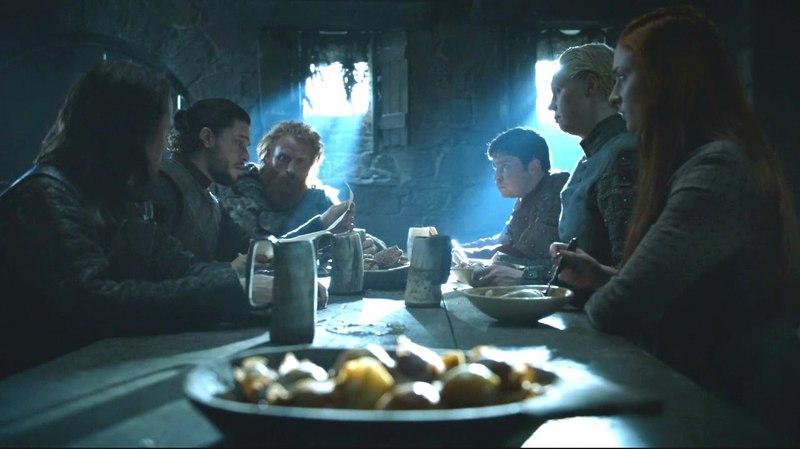 Jon recibe la carta rosa de Ramsay Bolton | Juego de Tronos Español HD