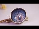 В глазурь этого чашки имеет эффект синего цвета, как млечный путь или водопад, создавая восхитительный визуальный наслаждение.