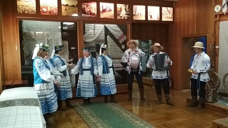 Мотольский ансамбль Ярица.