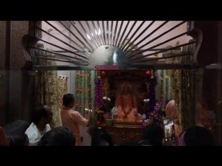 Gurvashtaka in the samadhi of Srila BV Narayana Maharaja