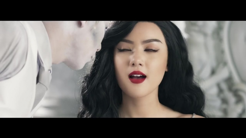 Jannine Weigel - Strangled Love