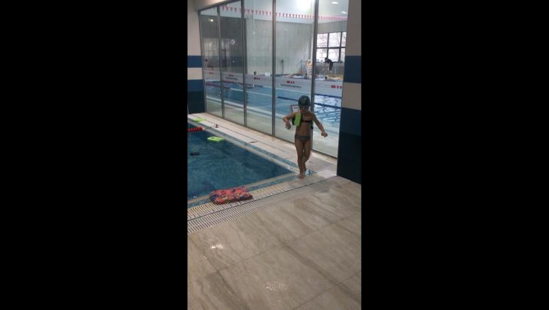 Юный пловец!🐬🐳🐠
