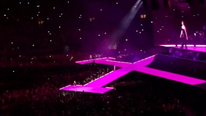 "Selena Gomez Taylor Swift Performing ""Hands To Myself"" At Reputation Tour In Pasadena [HD/FULL]"