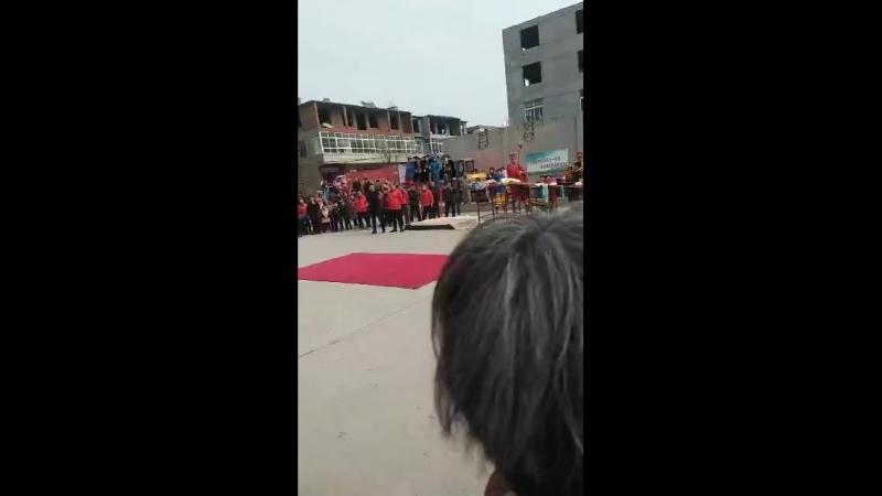 Китайское искусство хождения на ходулях