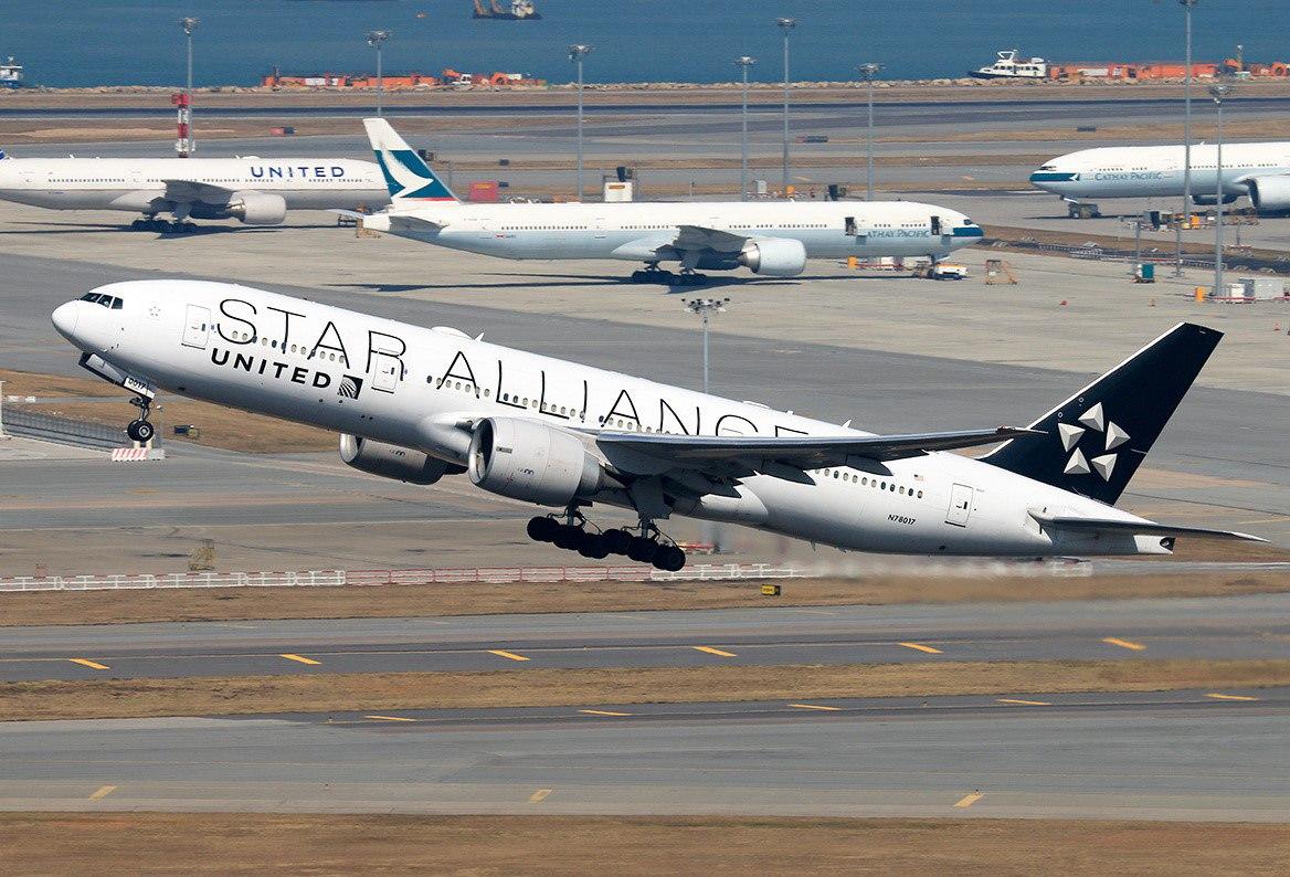 Один из участников Star Alliance, выполняющий интерлайн-рейс