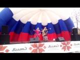 Зимняя маланья, отрывок выступления Вероники и Алины Хваль, с.Кострома Прохоровского р-на