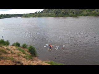 СамоПлывный Человек Воронцов покоряет речные просторы. Выживание на плоту. Сплав по реке в Владимирской области. Лесной Сход АВП