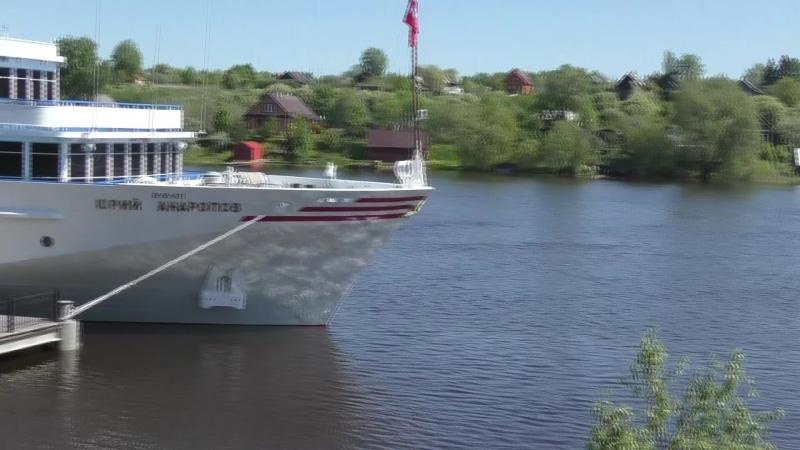 Четырёхпалубные корабли пошли по реке Волхов