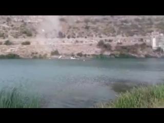 Land Rover рухнул с горы