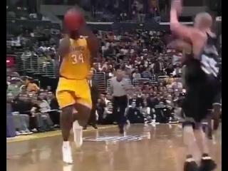 Один из лучших дуэтов в истории НБА. Шакил О'Нил и Коби Брайант