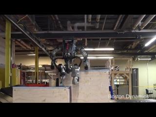 Паркур робота Атлас