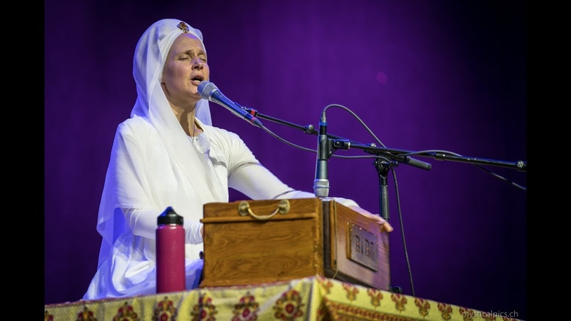 Sat Narayan by Snatam Kaur live in Zürich/Switzerland