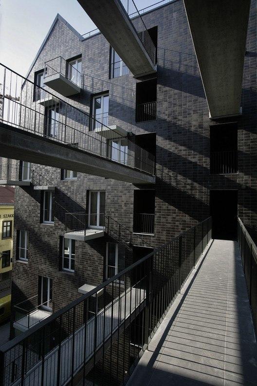 Práter Street 30-32 / PLANT – Atelier Peter Kis