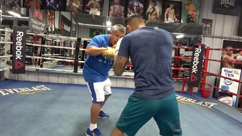 Abner Mares vs Gervonta Davis - Abner Working With Robert Garcia