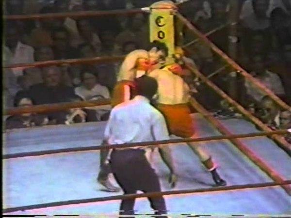 1977-04-23 - Carlos Zarate vs Alfonso Zamora