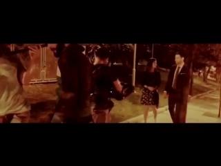 Öyle bir yürüyelim ki bu yol hiç bitmesin... Emir ve Zeynep romantik bir yaz gecesi yürüyüşünde... 💕🎬