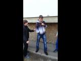 Учат терпилу танцевать лезгистон