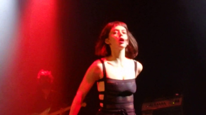Meg Myers - Little Black Death - In Chicago At The House Of Blues 2018