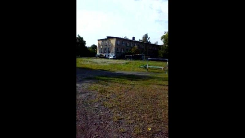 школа 42 Никитовка(футбольное поле, задний двор