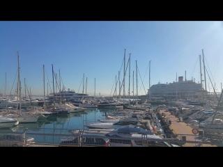 Испания, Пальма-де-Майорка, круизный лайнер Costa Diadema и яхта Constellation на набережной, порт 2018.01.30