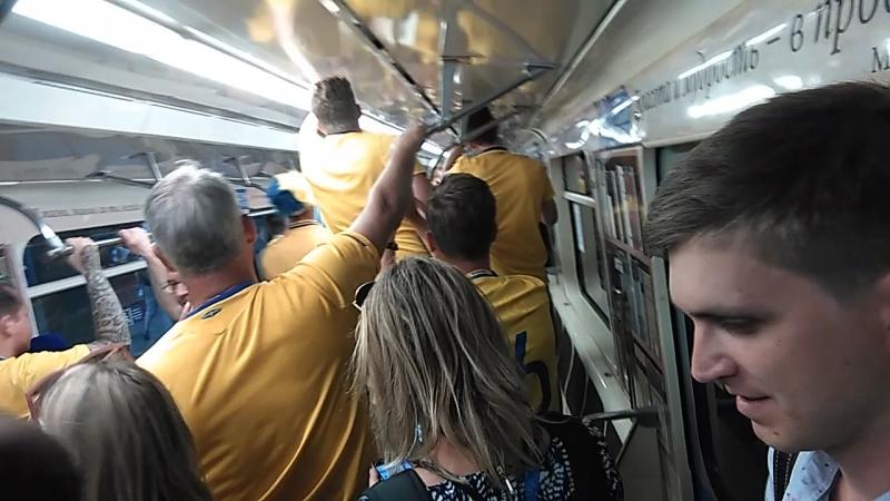 WorldCup чм2018 Ф2018 welcome2018  Шведы бьют, точнее похлопывают поезд из нутри песнями и плясками)