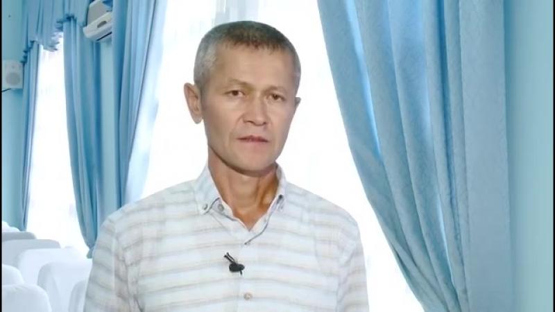 Пнувший коврик для намаза тренер просит прощения у мусульман Казахстана