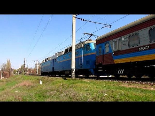 Электровоз ЧС7-305 с вагоном лабораторией
