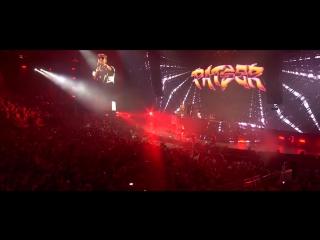 Dimitri vegas & like mike, quintino feat. boef, ronnie flex, ali b, i am aisha - slow down
