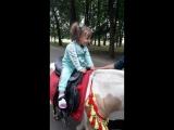 Вита на лошадке!!! Все-таки решилась)))