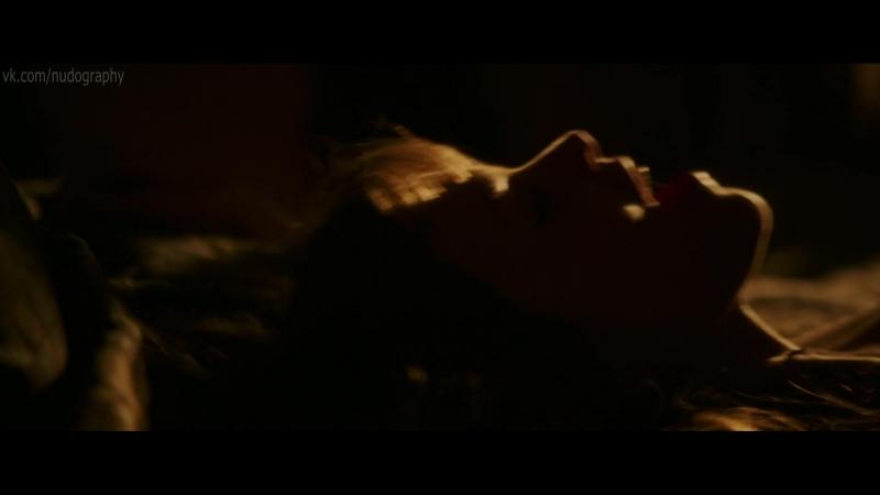 Сильвия Хукс Sylvia Hoeks голая в фильме Безбашенные Renegades 2017 Стивен Куэйл 1080p