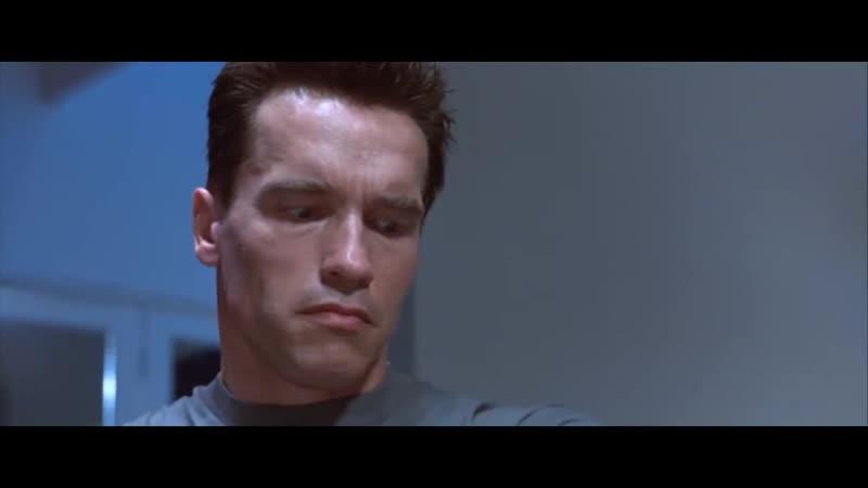 Смотри описание! Терминатор снимает кожу со своей руки. Фильм Терминатор 2- Судный день. 1991 год