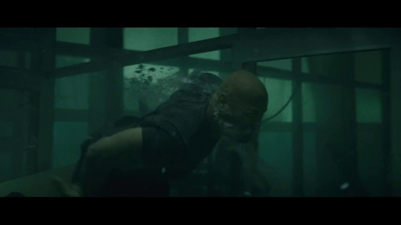 Разлом Сан-Андреас.Рэй спасает Блэйк из подводного плена