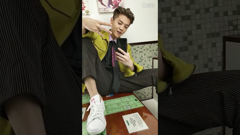 VIDEO 180419 LuHan @ GQ Magazine × Vivo X21 Eating Alone At A Cantonese Cafe ENG SUB