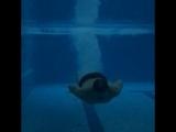 Пукаю в воде)